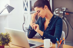 spenningshodepine hos kvinner på hjemmekontor