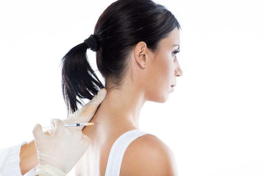 Kortison i skulder på kvinne.