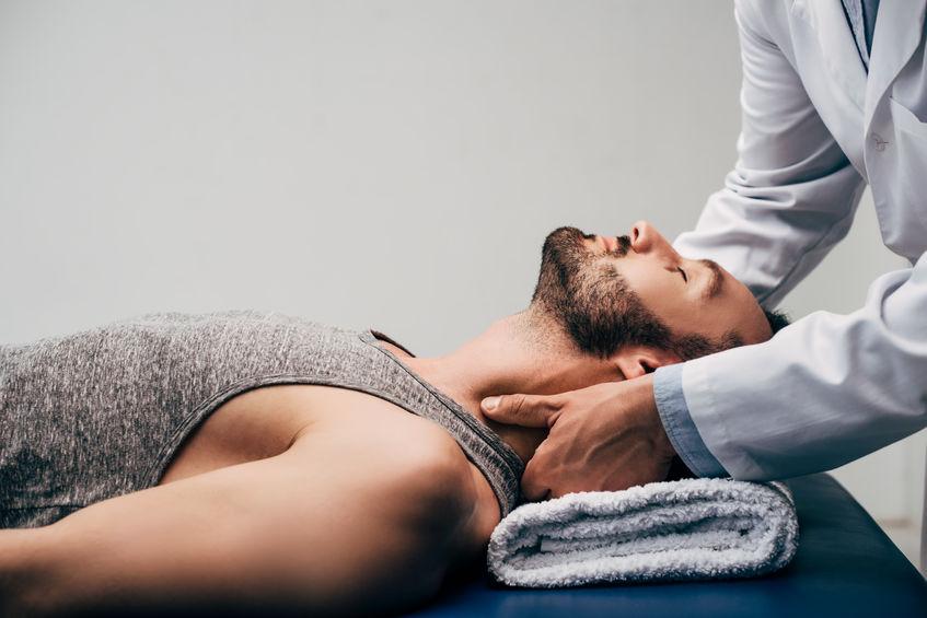 Kul på nakken kan behandles av kiropraktor