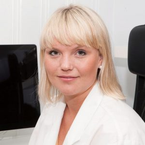 Dr. Nina Wiggen